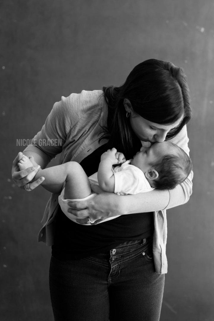 Newborn Photographer   Nicole Gracen
