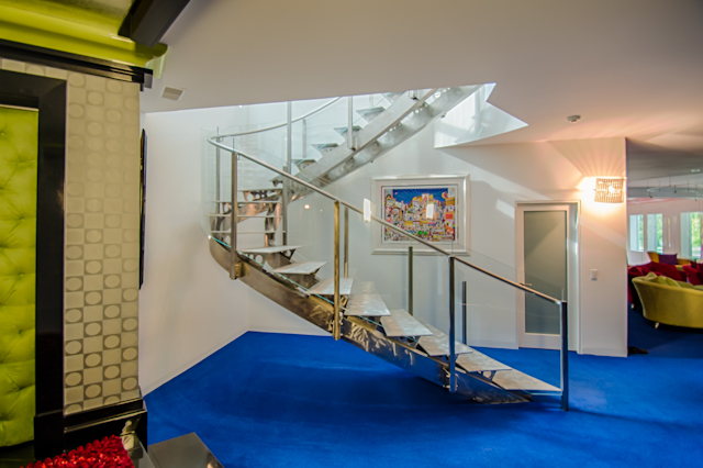 144956 Curved Glass Stairway-0977_HDR.jpg