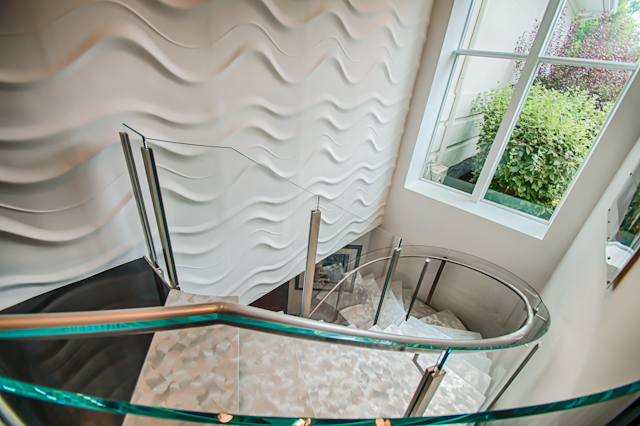 144956 Curved Glass Stairway-1007_HDR.jpg