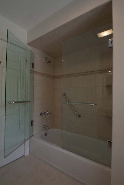 Dublin Tub Enclosure-17.jpg