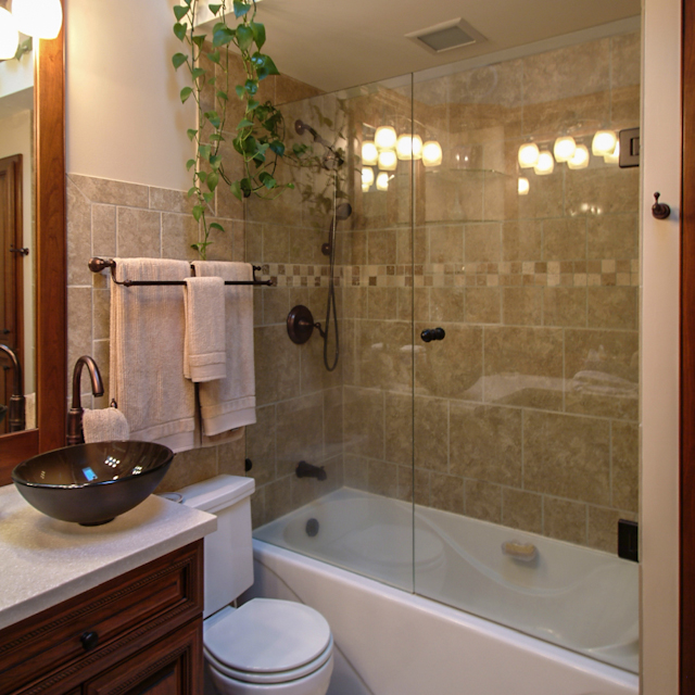 Bathroom tub glass doors