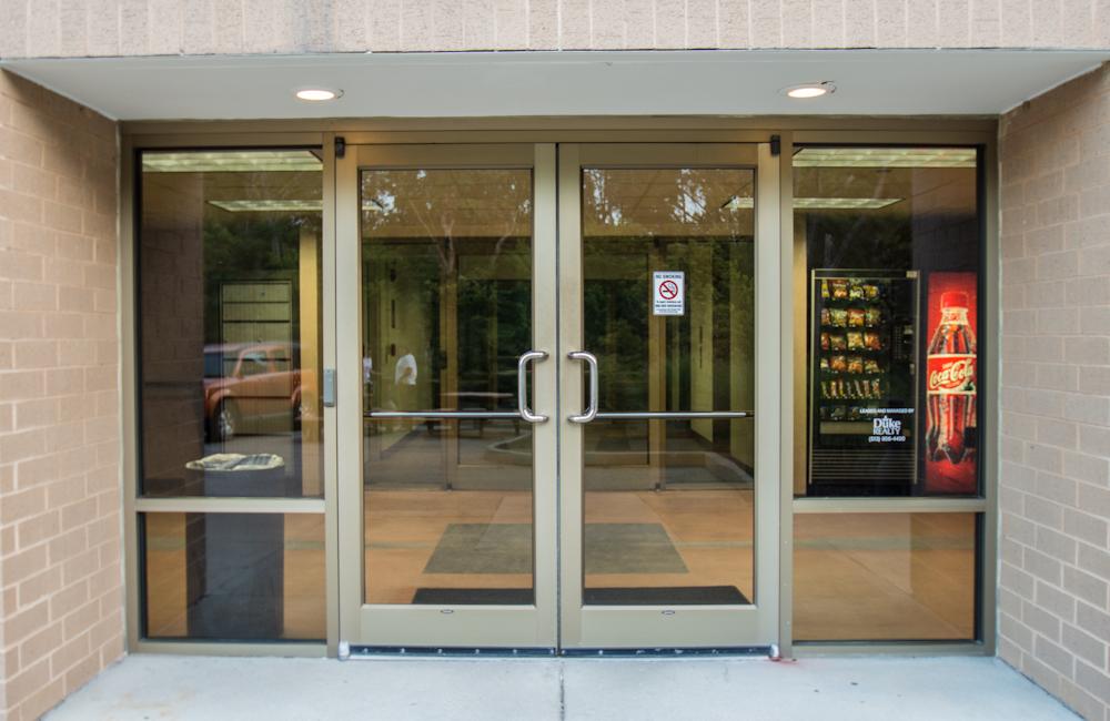 Storefront-0807.jpg