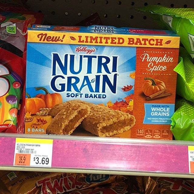 i guess it's THAT time of year 🎃🎃🎃 #halloween #pumpkinspice #october #wallgreens #pawtucket #rhodeisland #eeeeeats #eater #feedfeed #f52grams #blogger #foodblog #foodie #snacks #dessert #fall #autumn #candy #wholegrain #breakfast?