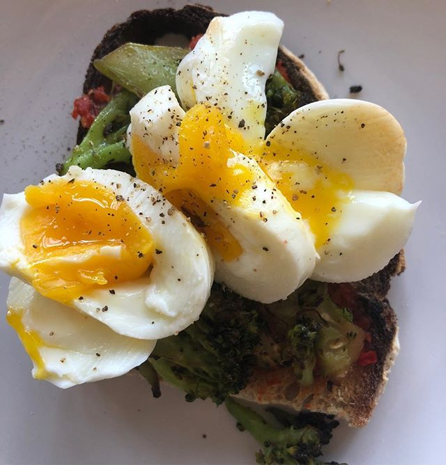 perfect yolk messy toast! good morning! #broccoli toast with #harissa and a #softboiledegg (dorm food doesn't have to suck) #breakfast #toast #feedfeed #f52grams #eater #bombesquad #college #pvdeats #providence #eeeeeats #eater #bonappetit #dorm #cooking #yolkporn #blogger #foodblog #food #foodie #healthyish #healthy #veggies #green
