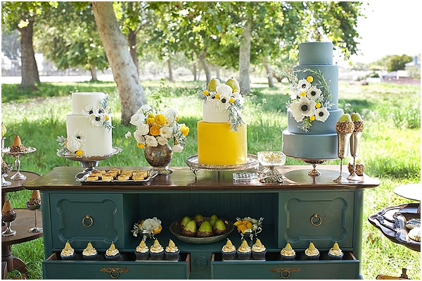 FRENCH WEDDING STYLE: PERFECT PEAR DESSERT TABLE