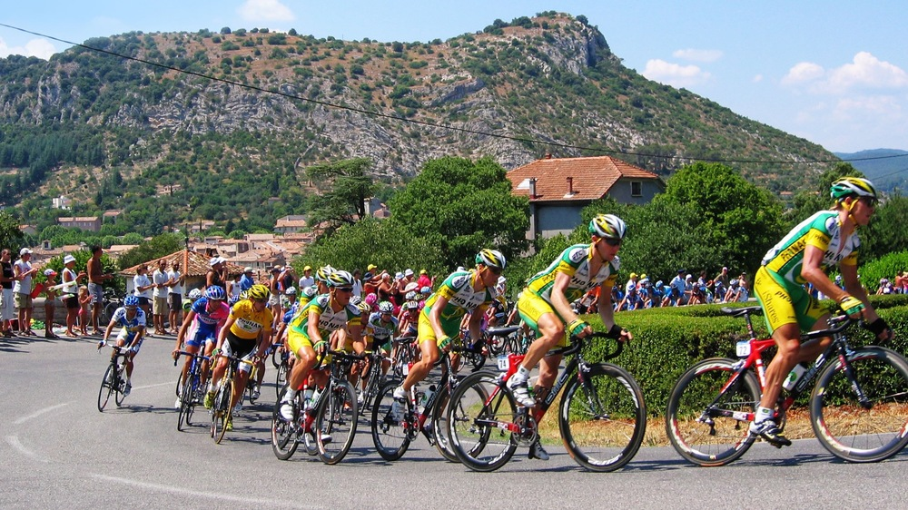 Tour de France riders. Image: Wikimedia