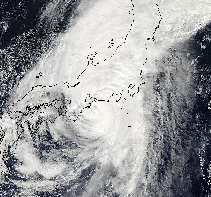 Det var en stor rackare, tyfonen som besökte oss i Japan igår och i morse. Bild: NASA/GSFC/Jeff Schmaltz/MODIS Land Rapid Response Team
