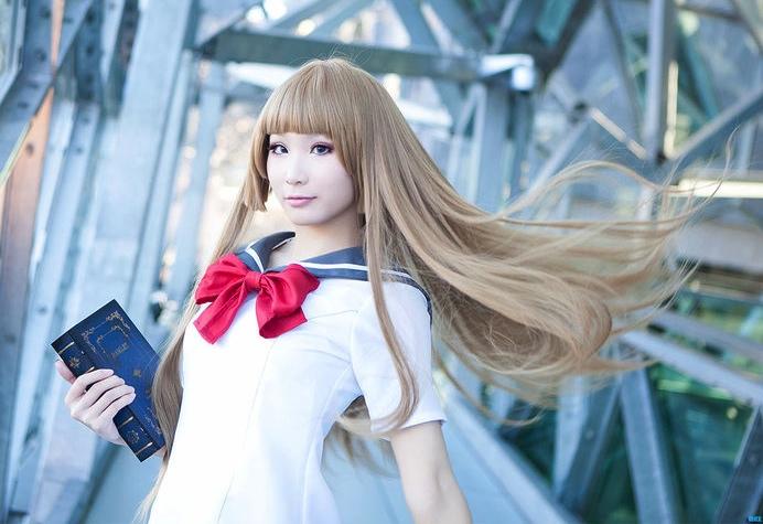 Ikuya spelar figuren Aika Fuwa från mangan Zetsuen no Tempesuto - The Civilization Blaster.  Foto: Max Ly
