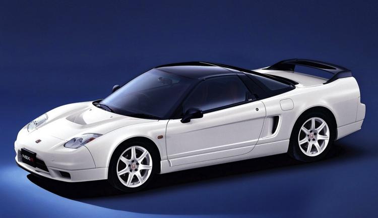 Första NSX var något så ovanligt som en mittmotorbil från Japan som på allvar konkurrerade med de italienska superbilarna. Den enda mittmotorbilen med bagageutrymme för två golfväskor!  Bild: Honda