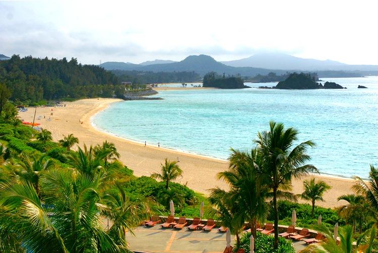 En finess med en lång ökedja som Japan är att man kan njuta av både tropiskt klimat med fint dykande i klara vatten...  Foto: Wikimedia Commons