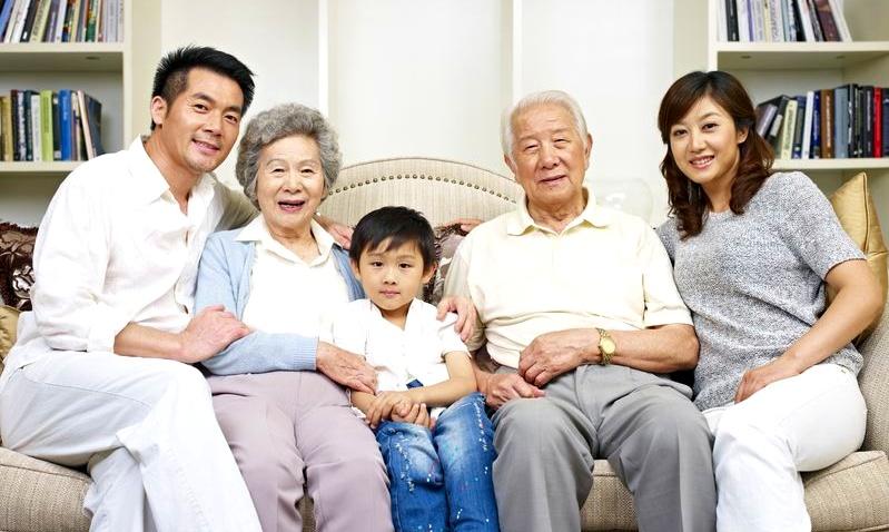 De äldre i Japan blir allt äldre och fler och de yngre blir allt färre.. en ekvation som redan slutat gå ihop. Nu måste det snart till drastiska åtgärder.  Foto:  123rf.com