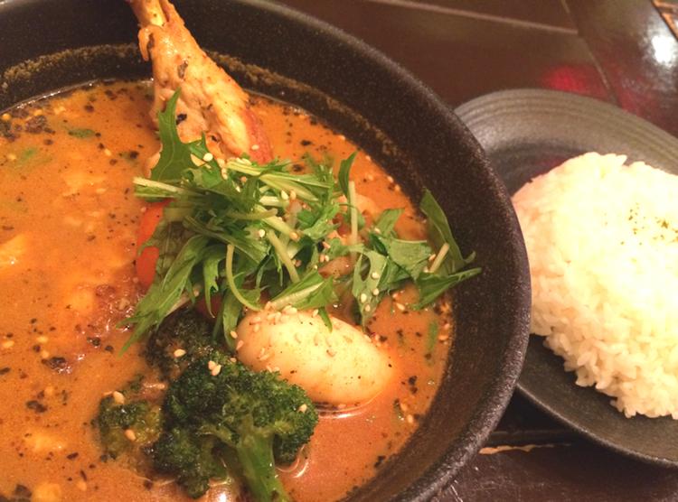 Sapporo är inte enbart fisk och skaldjur - här en mustig currysoppa med kyckling.