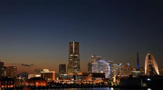 Yokohama by night. Tokyos största granne med 3,7 miljoner invånare.