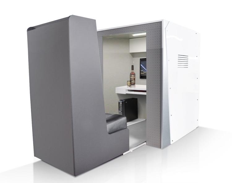 """För den som bor trångt men ändå vill ha ett helt privat utrymme, så kan man i Japan köpa sig ett """"gömställe"""" i form av denna lilla kassett. Inget för klaustrofoba."""