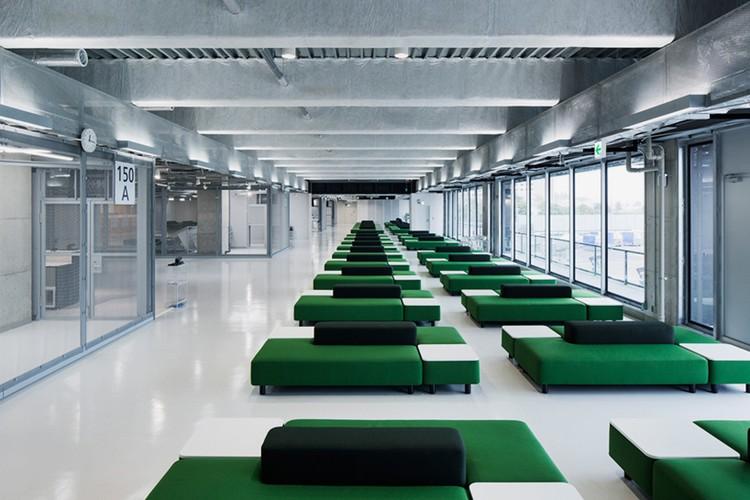 MUJI levererar möblerna till terminal 3 på Narita.