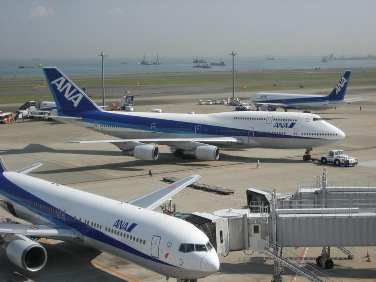 Mycket ANA på Haneda, som synes, men du kan flyga hit med andra flygbolag också. Foto: Wikimedia Commons