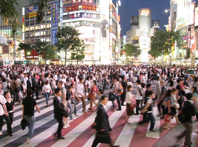 """I rusningstid är Tokyo knappast att beskriva som speciellt """"livable"""", men det finns ju så många andra aspekter av livet i denna fantastiska stad.  Foto: Bantosh ( Wikimedia Commons , GNU Free Documentation License)"""