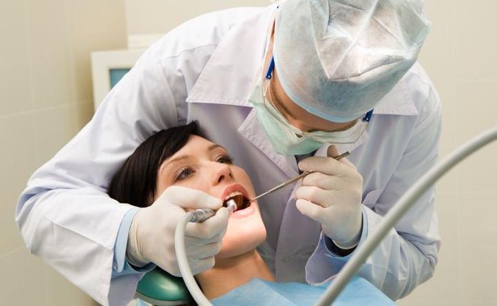 Blir man sjuk eller får ont i en tand under Japan-vistelsen, kan det vara bra att veta var man hittar en engelsktalande läkare eller tandläkare.