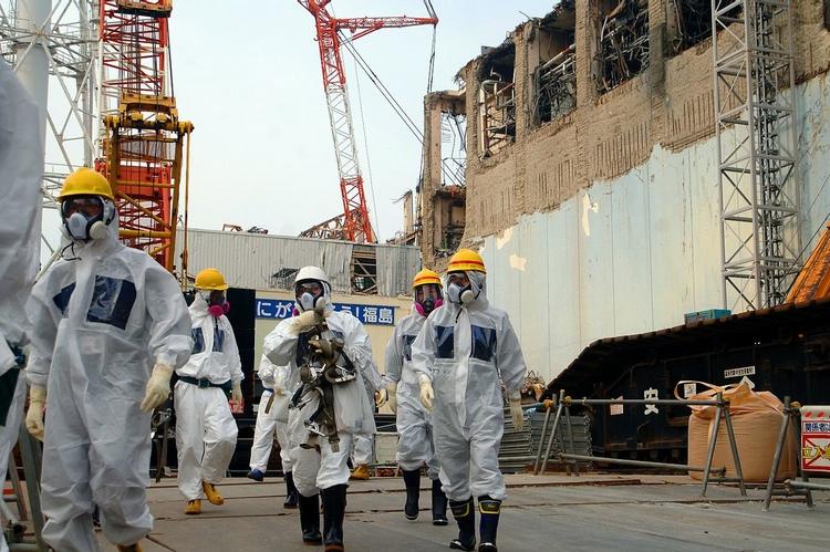 Inspektörer från IAEA (International Atomic Energy Agency) på plats i kärnkraftverket i Fukushima 2013.  Foto: IAEA