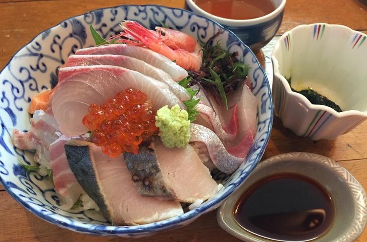 Nästan 40% av denna lista över 50 trevliga aspekter av ett liv i Tokyo handlar om mat och dryck.  Foto: Public Domain