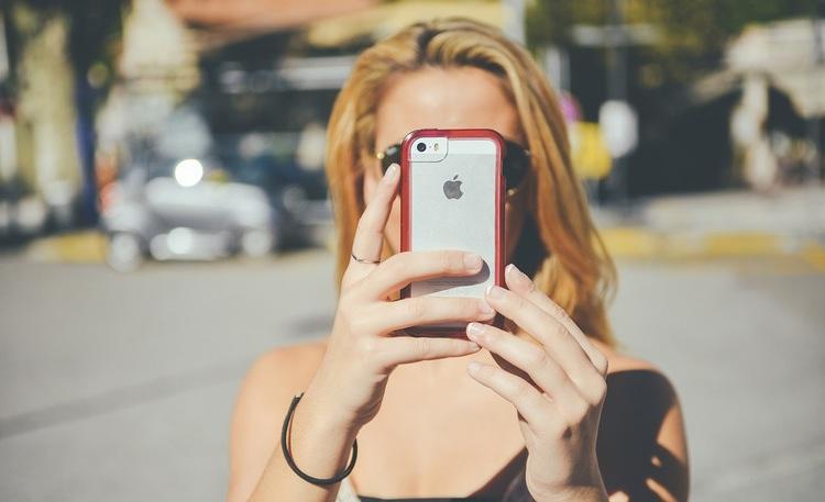 Ingen risk att någon hitrest  inte  vill ha tillgång till internet. En mobil router är ett bra sätt att ge hela familjen konstant tillgång till nätet.  Foto: Public Domain