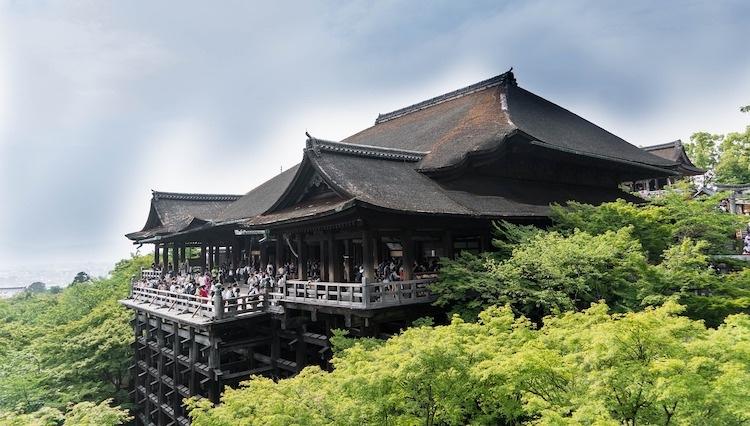 Kiyomizudera är ett av Kyotos mest berömda tempel.  Foto: Public Domain