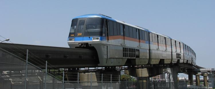 Tokyo Monorail är en av de två rälsbundna metoderna för att ta sig ut till Haneda Airport idag.  Foto: Aimaimyi, Creative Commons License