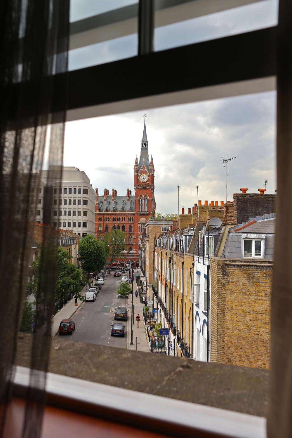 The view from my teeny tiny hotel room. When traveling, I usually go for whatever is cheap, minimal, and in a prime location. I stayed right near Kings Cross St. Pancras (that building you see is the St. Pancras station) which I would highly recommend! It's a safe and affordable area, with lots of cafes and shops nearby. It's also extremely central.