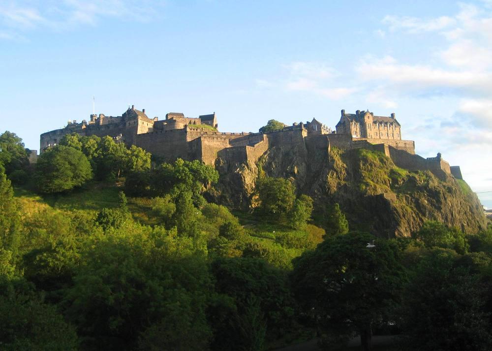 view of edinburgh castle 2.jpg