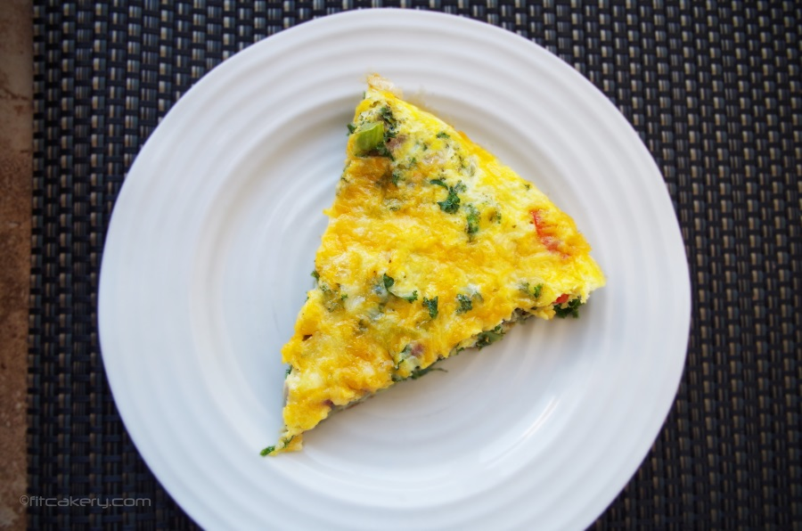 Powered Up Breakfast Frittata - a healthy, hot breakfast you can eat on the go all week! #weekdaymeal #breakfast