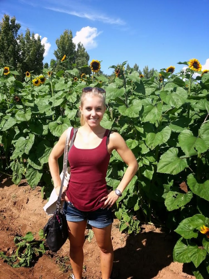 Soaking up the sun!  Just like these here sunflowers!  Such a gorgeous October day.