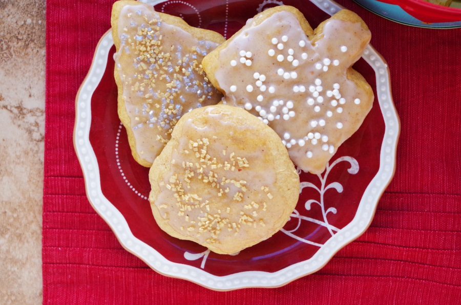 Glazed Eggnog Sugar Cookies: The softest, fluffiest, (and healthiest) recipe out there! #holidaybaking