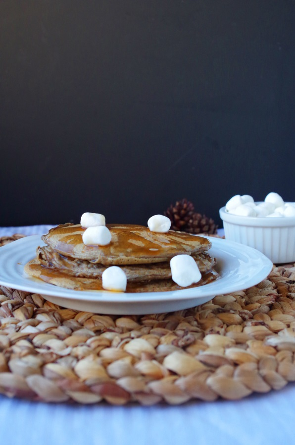 Easy protein pancake recipe with   low carbs and   high protein - FitCakery.com