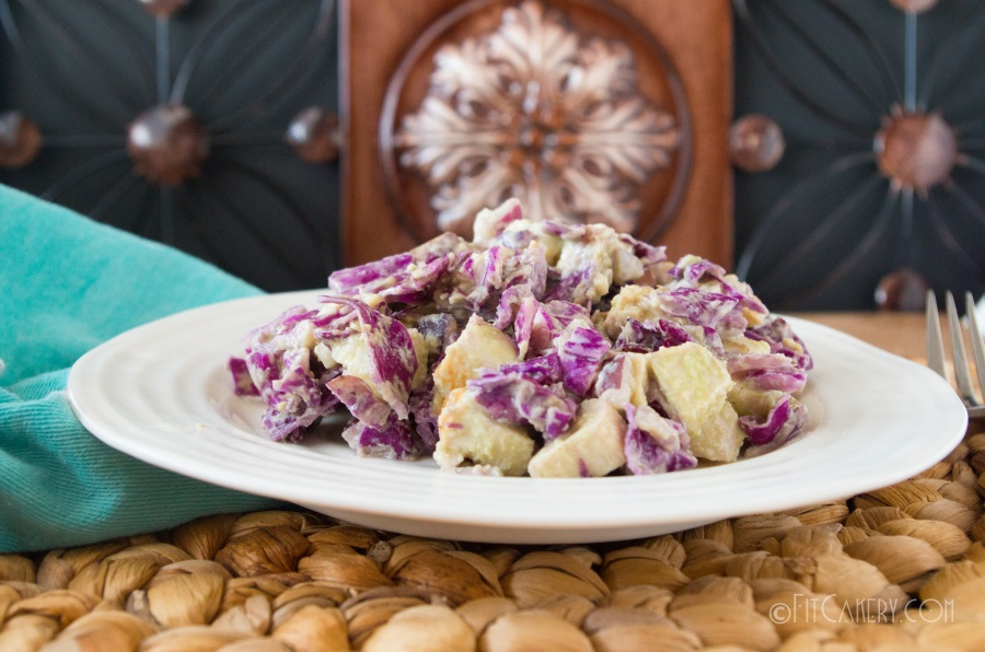 Great recipe for a slimming and satiating chicken salad   with red cabbage! - FitCakery.com