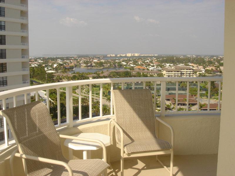 Balcony DSC01440s.jpg
