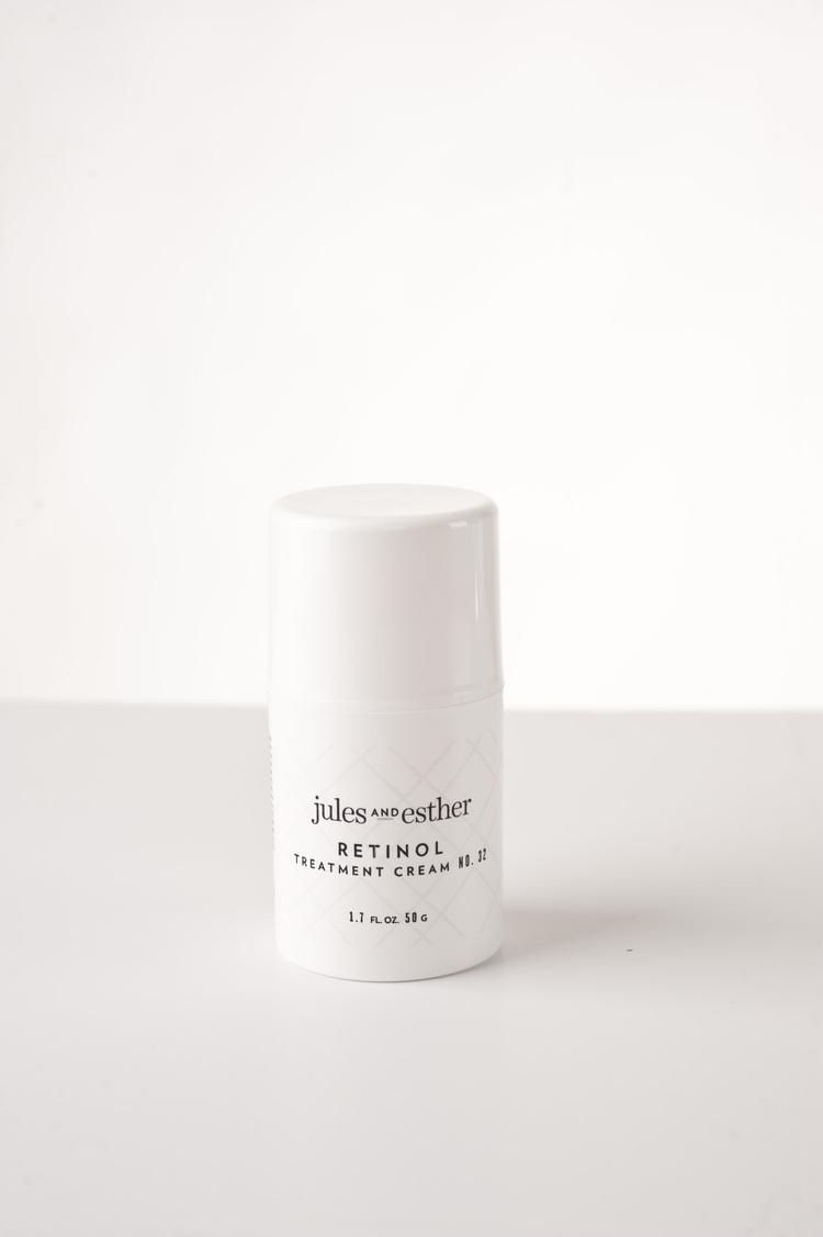2.5% Retinol in soothing moisturizers