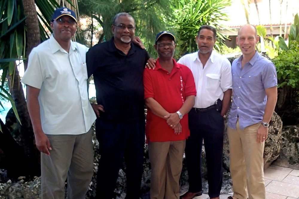 Leaders and advisors of the Australia Caribbean Coral Reef Collaboration share experiences and explore new ideas and opportunities during the scoping mission in Belize, October 2012.