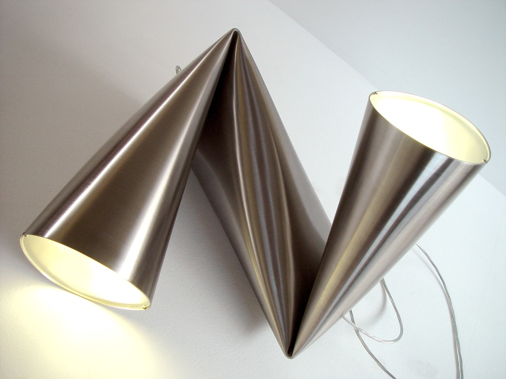 WRENCHLAMP_KORBANFLAUBERT