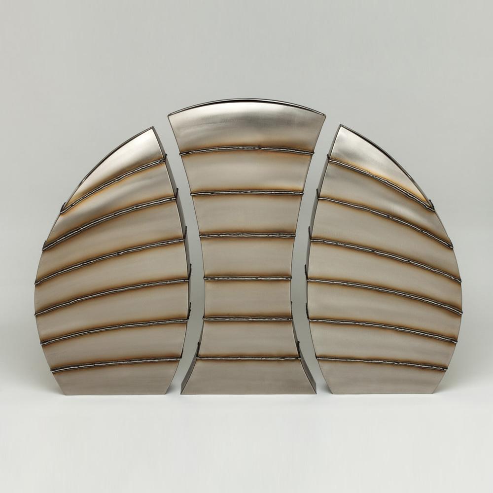 "Fissured Floor Set - horizontal bead stripe  25"" x 33"" x 3"""