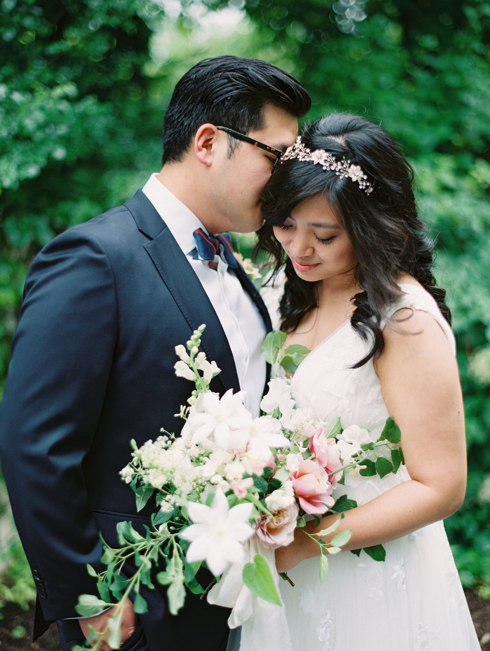 Hannah & Isaac's Gorgeous Garden Wedding in Chappaqua