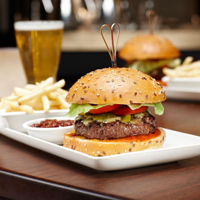 CA166_Burger_12web.jpg