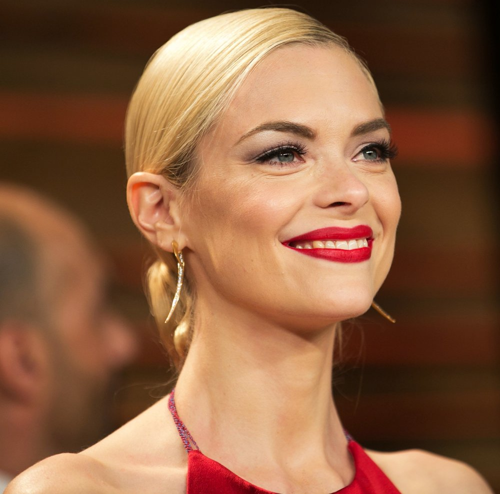 jaime-king-2014-vanity-fair-oscar-party-01.jpg