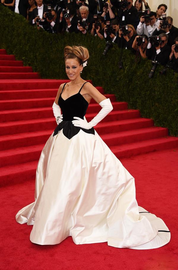 Sarah-Jessica-Parker-Oscar-de-la-Rent-Met-Gala-Ball-2014.jpg