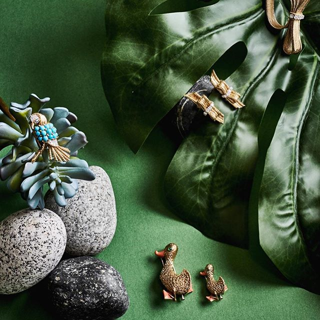 A big thank you to the team at @keyyes for coverage of our pieces! Love the excellent styling by @skinnypop @blitzlite for beautiful images and @merylk_ for the bringing it altogether! So grateful! #keyyes #revivalvintagejewels #revivaljewels #revivaljewelsandobjects #boucheron #vancleefarpels #artdecojewels #antiquejewels