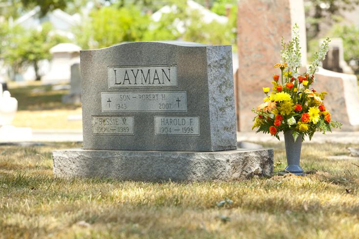 cemeteryvase5.jpg