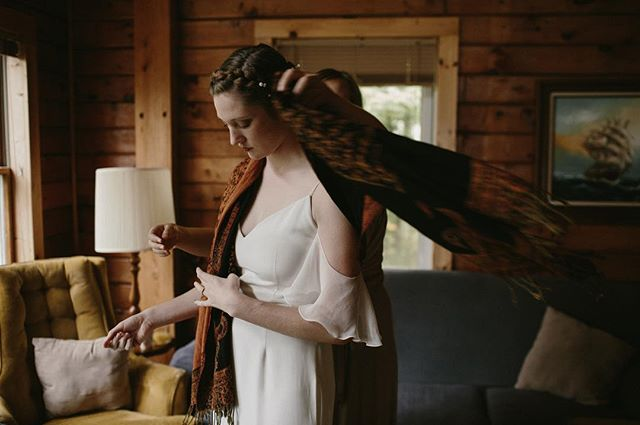 Casey, the finishing touches.  #vermontwedding #realwedding #realbride #wedding #vermontweddingphotographer #vermontweddingphotography
