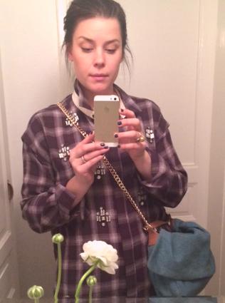 """Kallar denna """"champagnemunnen sniper vidare…"""" har min finaste presentskjorta på mig från By Malene Birger."""