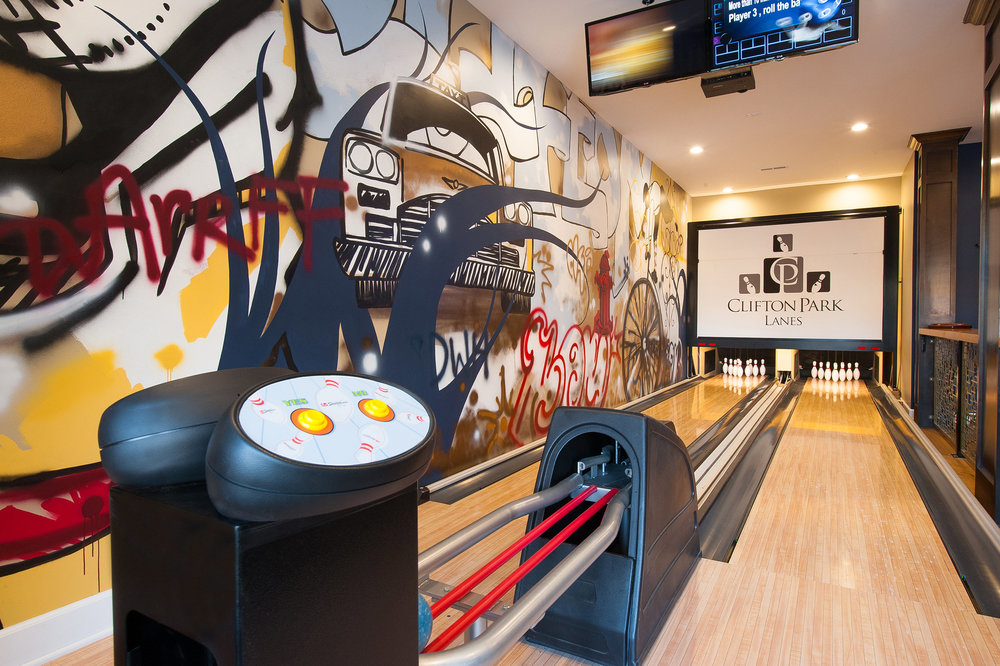 clifton-clubhouse-bowling-alley