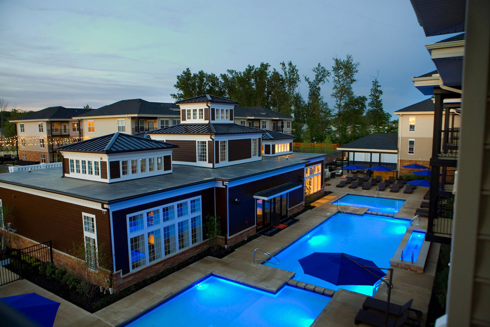 chelsea-square-clubhouse-pool