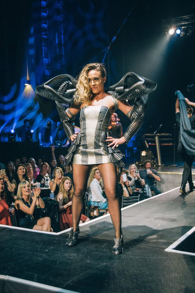 02.fashionshow147.jpg